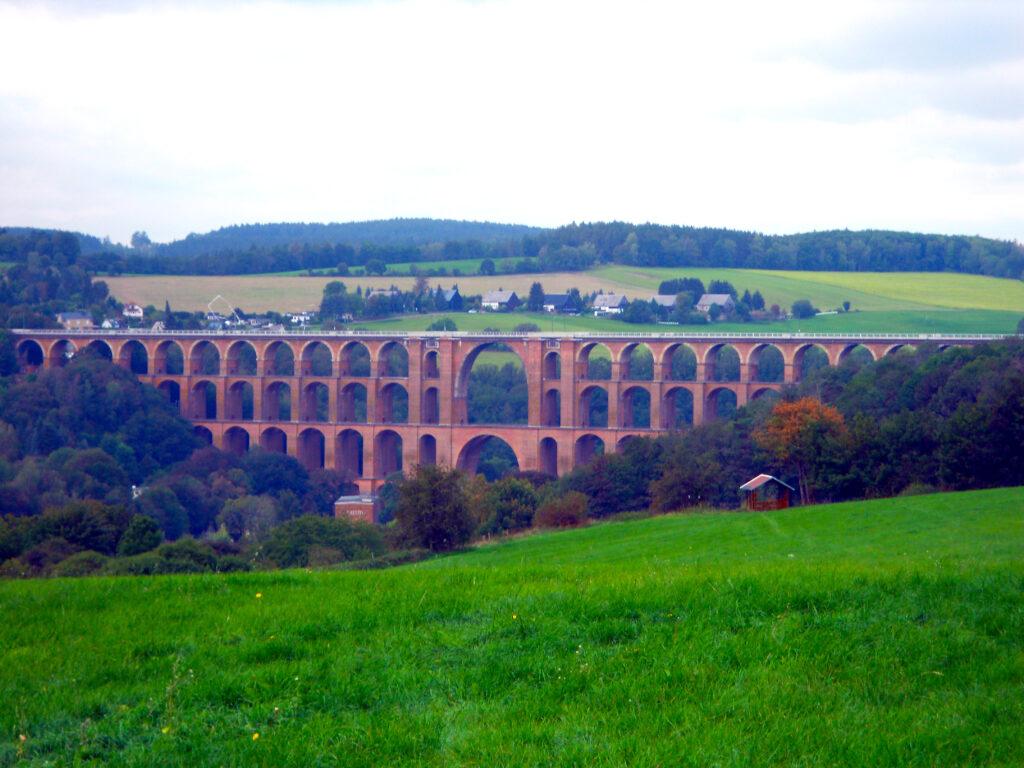 Ziegelbrücke über die Göltzsch